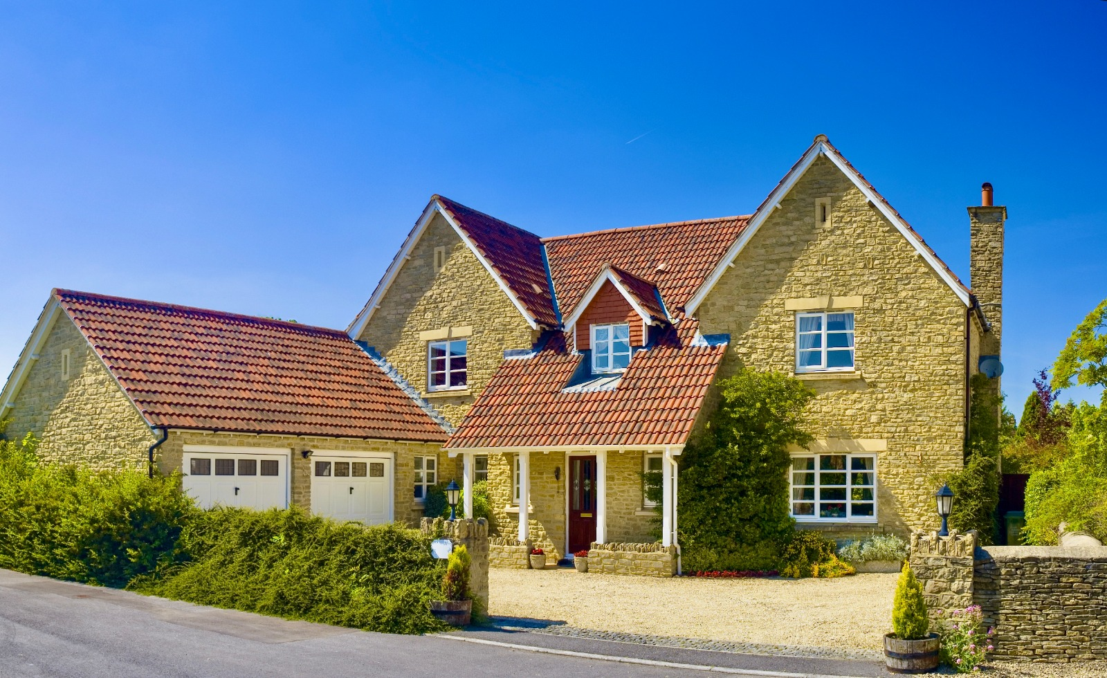 UK house prices are rising too high regardless of the crisis in COVID